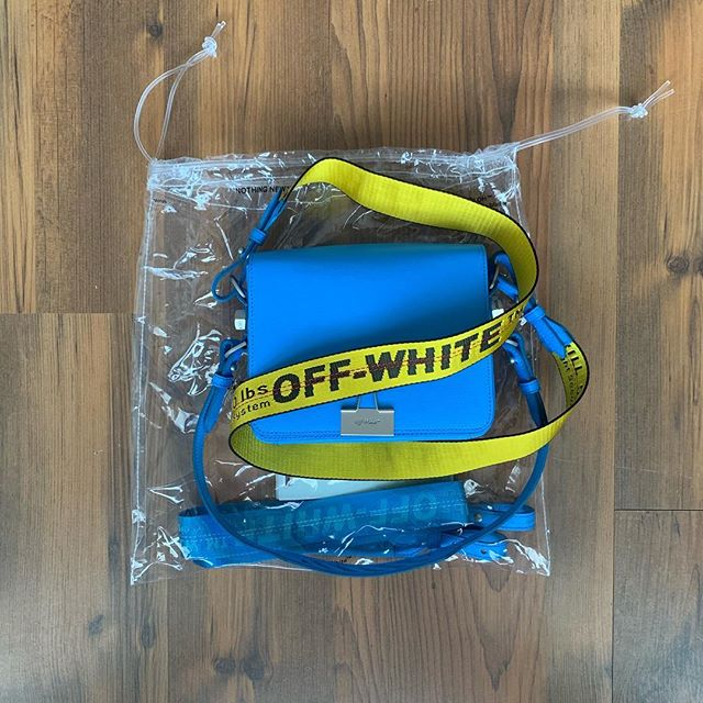 Sexy and cool delivery from @brownsfashion, super cool @off____white bulldog clip shoulder bag. Amazing blue colour and branded strap. We just can't get enough of @virgilabloh . . . . . . . .  #briwnsfashion #offwhite #virgilabloh #handbag #luxury #love #fashion #beauty  #model #lifestyle  #style #photooftheday  #photography #happy #authentic #urbanstyle #trend #styleoftheday #look #makeup #dublin #london #losangeles #sydney #newyork #paris