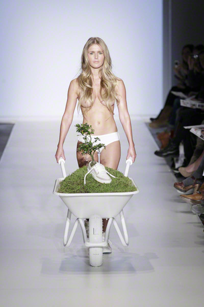 Photo: Peter Stigter - Amsterdam Fashion Week 2011
