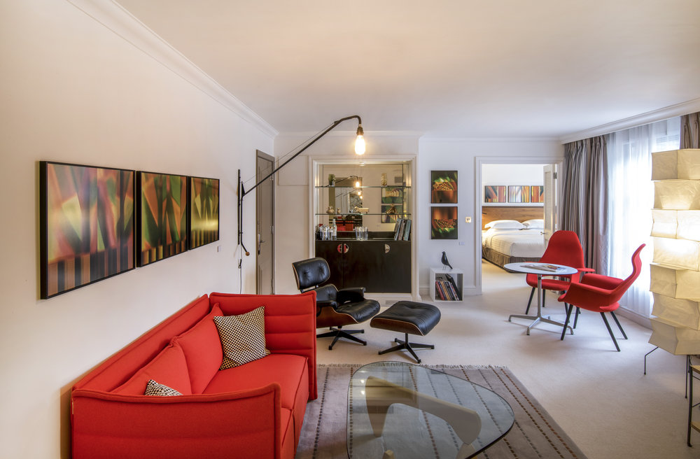 Discover the Saatchi Suite - A hotel suite & artistic experience like no other!