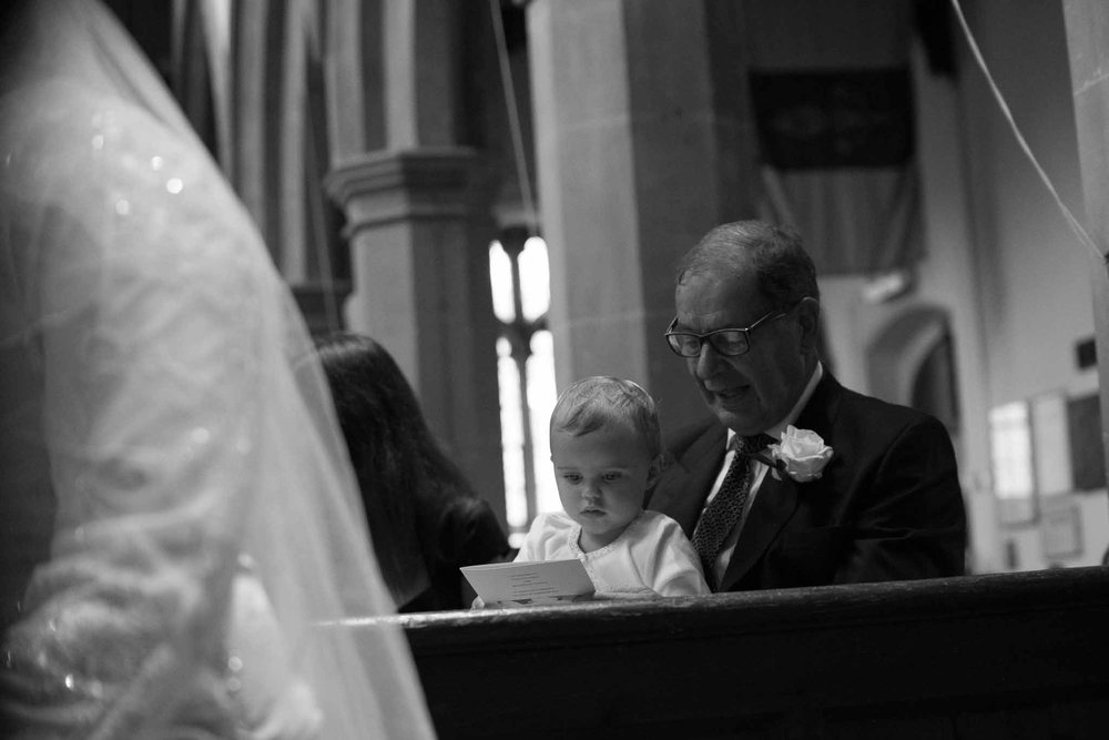 St Mary & All Saints Beaconsfield, St Mary's Beaconsfield, Beaconsfield wedding photographer, Beaconsfield wedding, Buckinghamshire wedding Reportage wedding photography