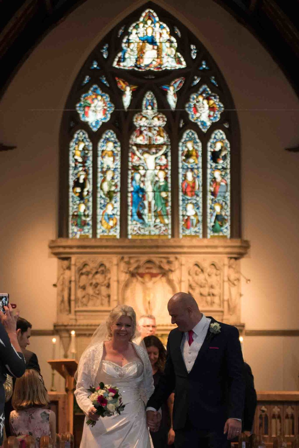 St Mary & All Saints Beaconsfield, St Mary's Beaconsfield, Beaconsfield wedding photographer, Beaconsfield wedding, Buckinghamshire wedding, Reportage wedding photography