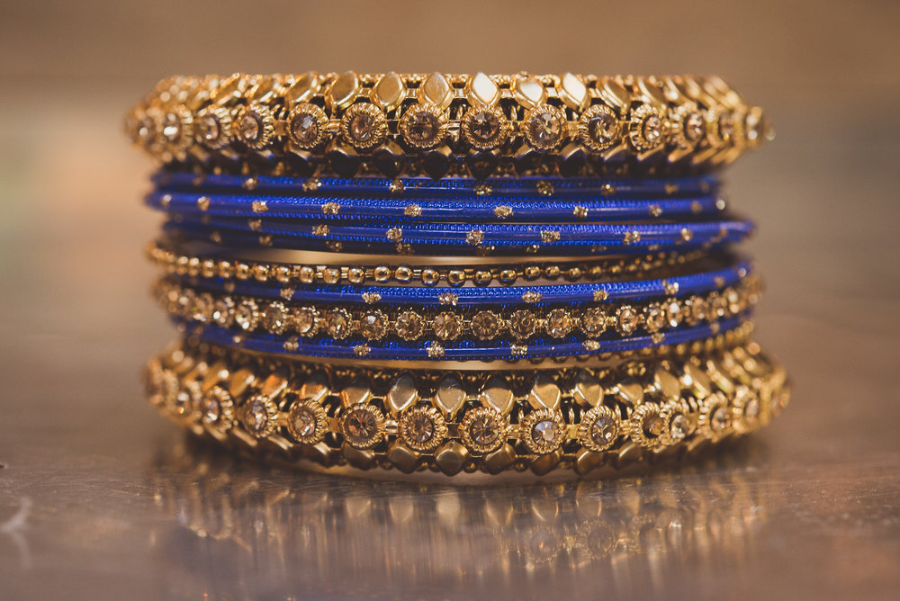 Hindu bridal jewellery, traditional Hindu bridal bangles