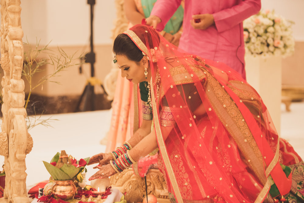 Hindu bride at Oshwal Centre