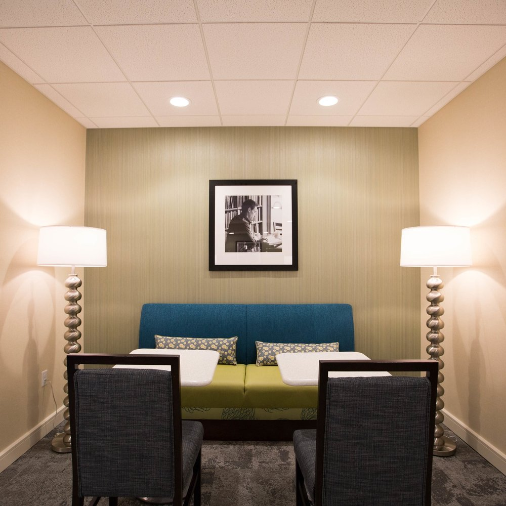 Hampton Inn Amesbury   New Hotel 92 Guest Rooms Contractor: Opechee Amesbury, Massachusetts