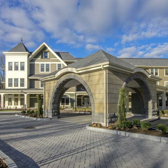 Five Corners Assisted Senior Living   Easton, Massachusetts Square Feet: 84,000 84 Unites Studio, 1 & 2 bedroom apartments