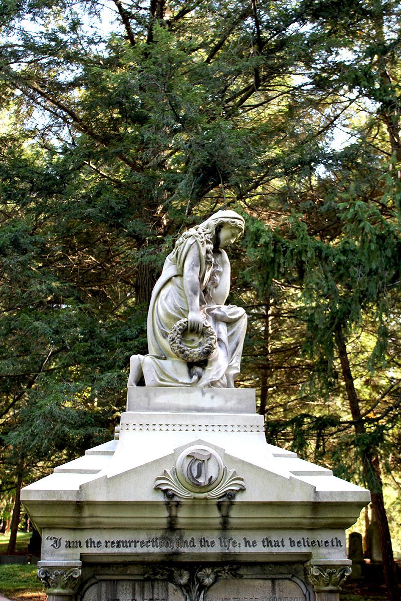 Gere Tillotson Monument.jpg