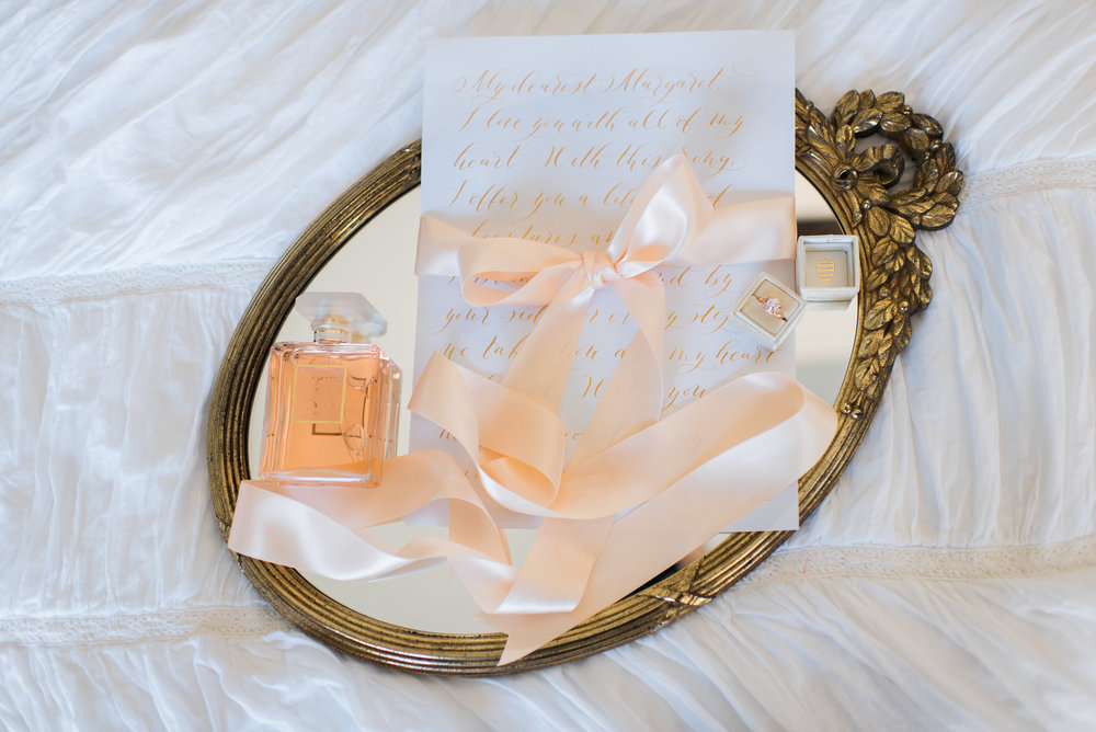 VINTAGE MIRRORS AND TRAYS