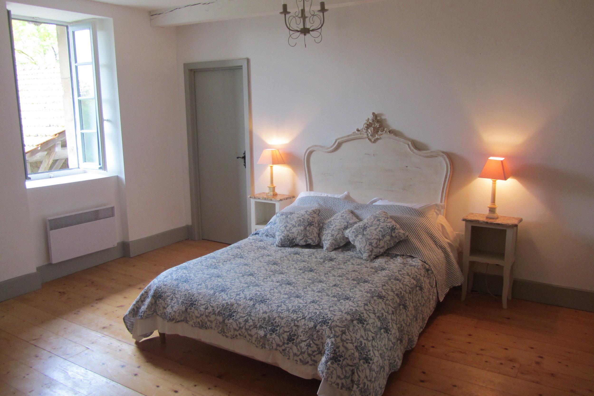 Bedroom 6 (2)