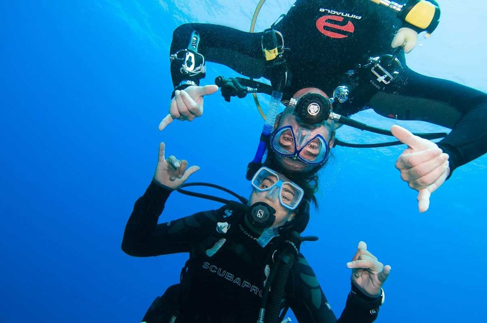 The divemaster course, Whilst there are some serious aspects, it mainly just damn good fun!