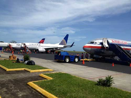 Airlines serving Roatan interntaional airport