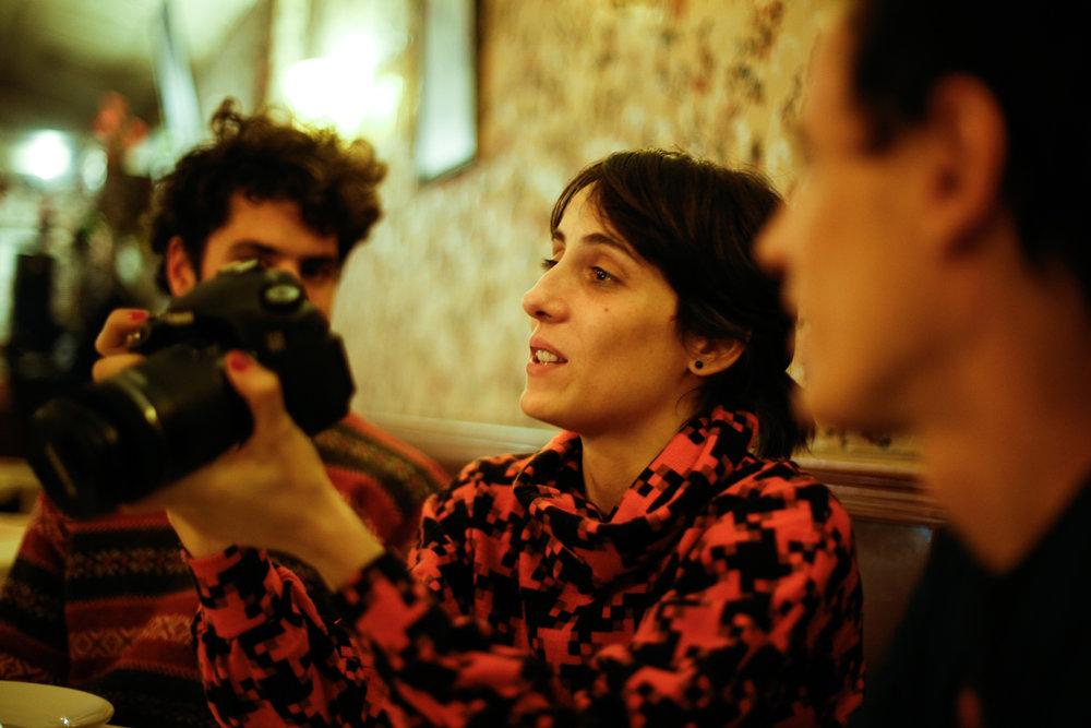 Lucía Galli por Ceci Estalles en el Lanzamiento del Vacio está a nuestras espaldas