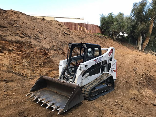 Turning raw hillside into the site of our next project. Time in, ~1 month. #newproject #bowerycanyon #boweryproject #canyonhome #construction #MAS #MASmodern #ModernArchitectureServices #realestate #sandiego #sandiegoarchitecture #sandiegorealestate #modernarchitecture #modernarchitect #architects #aia #sdaia #architecturemagazine #sandiegoarchitects #architecture #architecturephoto #architecturalphotography #architecturelovers