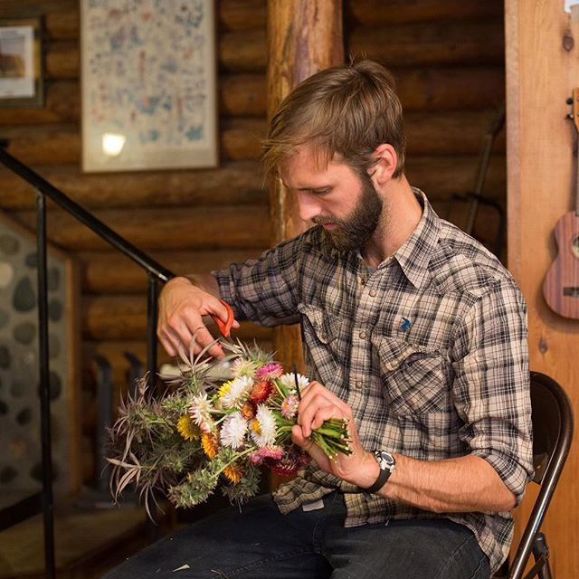Aaron Howard, our co-founder & farm manager, trimming up a fresh cannabis bouquet for a couple friends 💐 This is a flashback to last season. Many more cannabis bouquets coming soon! . #bouquet #cannabis #cbd #flowers #harvest #organic #sungrown #oregon #getthellama / 📷: @photosbykim
