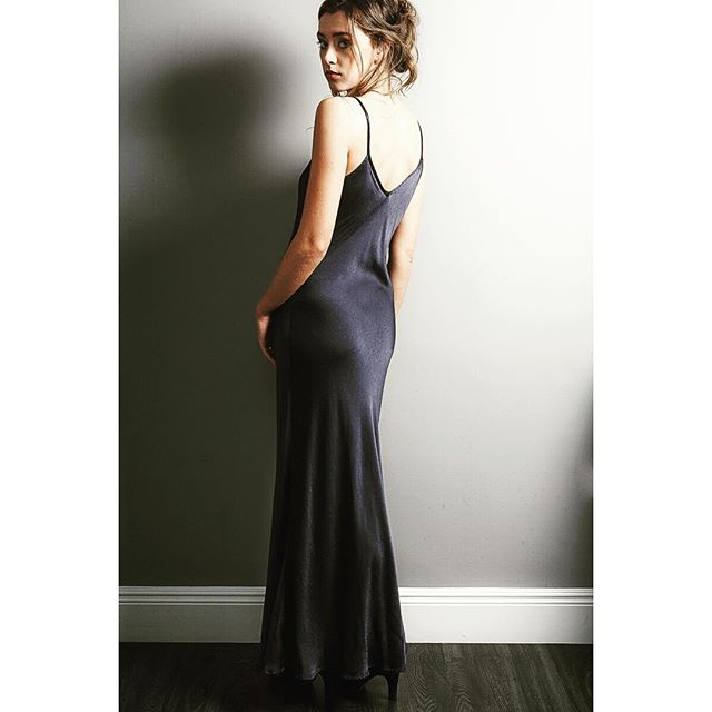 Simple and Sexy . We love this Dark Navy slip dress #wardrobestaple #instorenow #christmaspartydress #flatteringfit #wecanpost