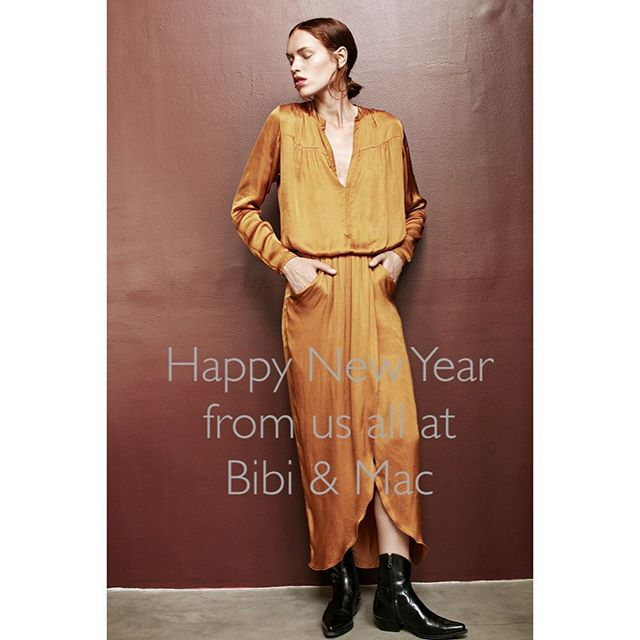 Happy New Year to all our friends! Thank you for supporting us, lots of exciting plans for 2018. We couldn't carry on without you ! #opentoday #opennewyearsday #sale #stylish #salcombe #online