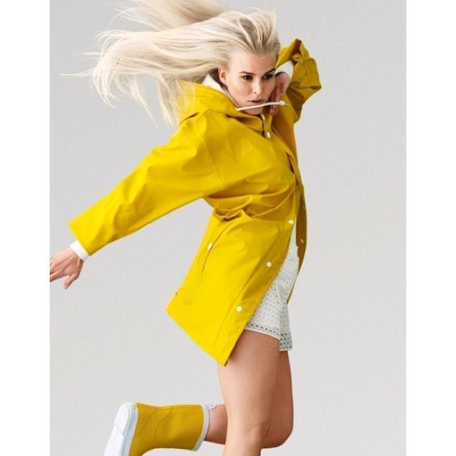 Embrace the weather #swedishrainwear #newinstore #yellow #navy #stone #schoolrun #dogwalk #city #cheerup #itsonlyrain #wecanpost #salcombe #kingsbridge