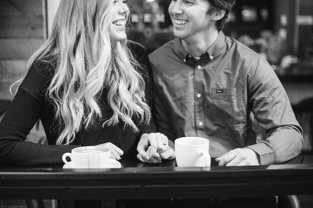coffee-shop-engagement-photos_0002