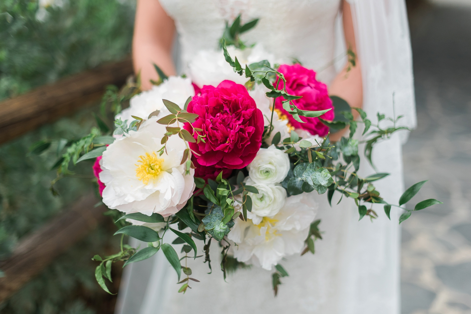 Fuchsia and Gold OC Wedding | Brandi Welles Photographer_0013