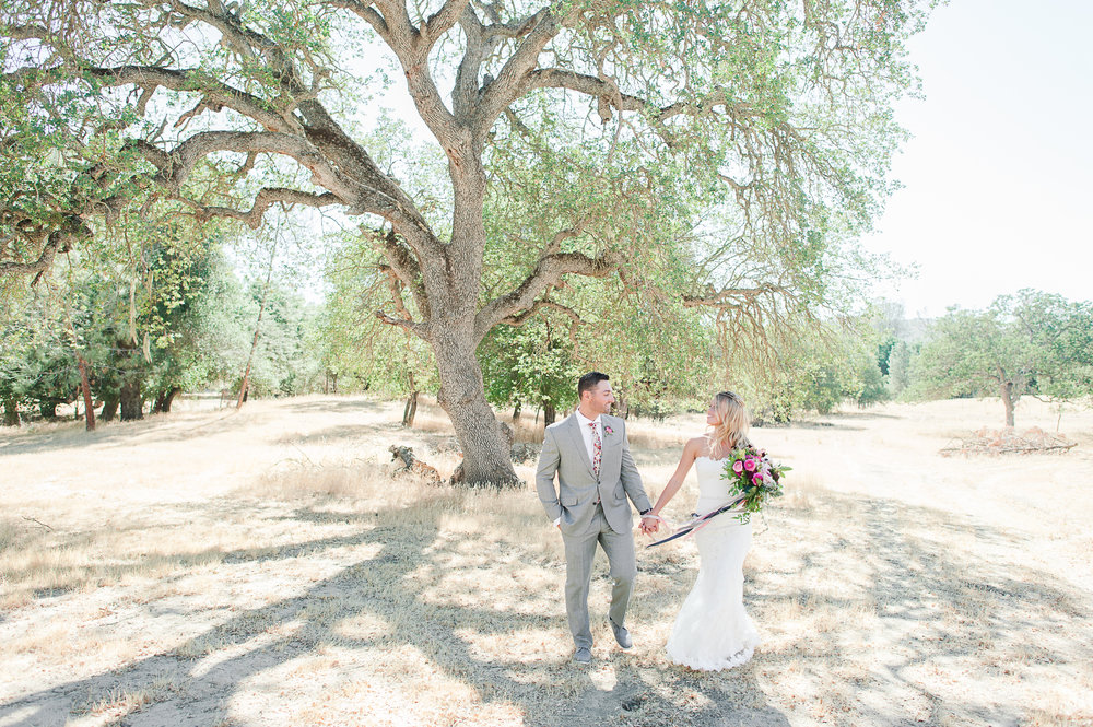modern-desert-wedding-photography