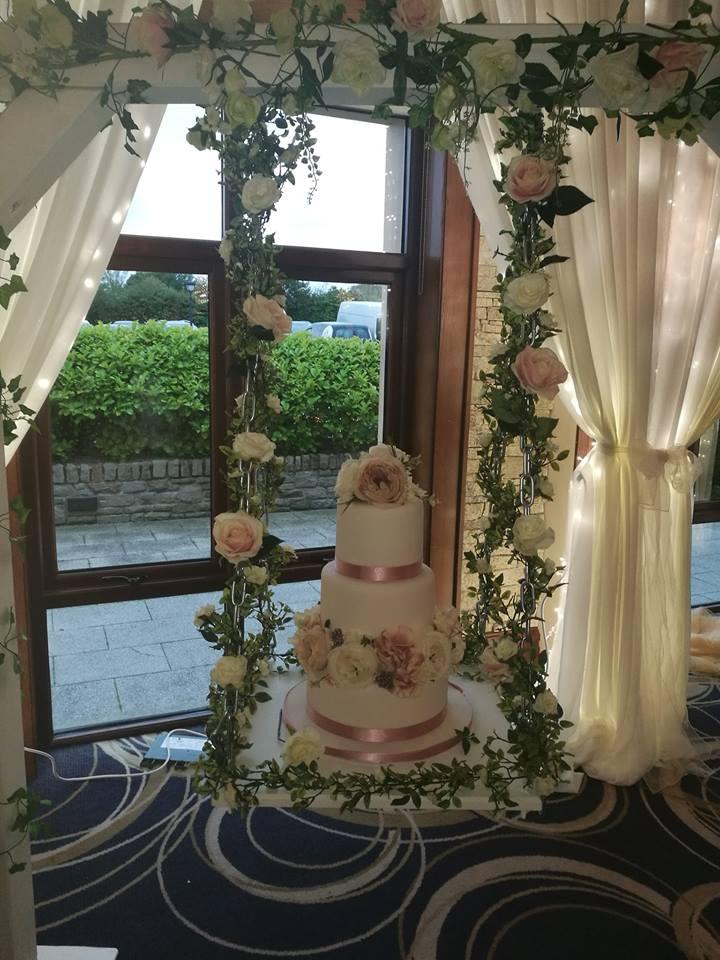 wedding cake swing display by eventful 1.jpg