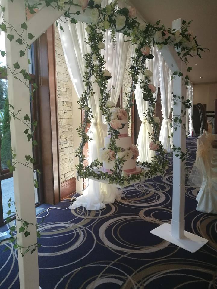wedding cake swing display by eventful.jpg