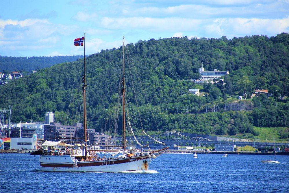 Ferry ships