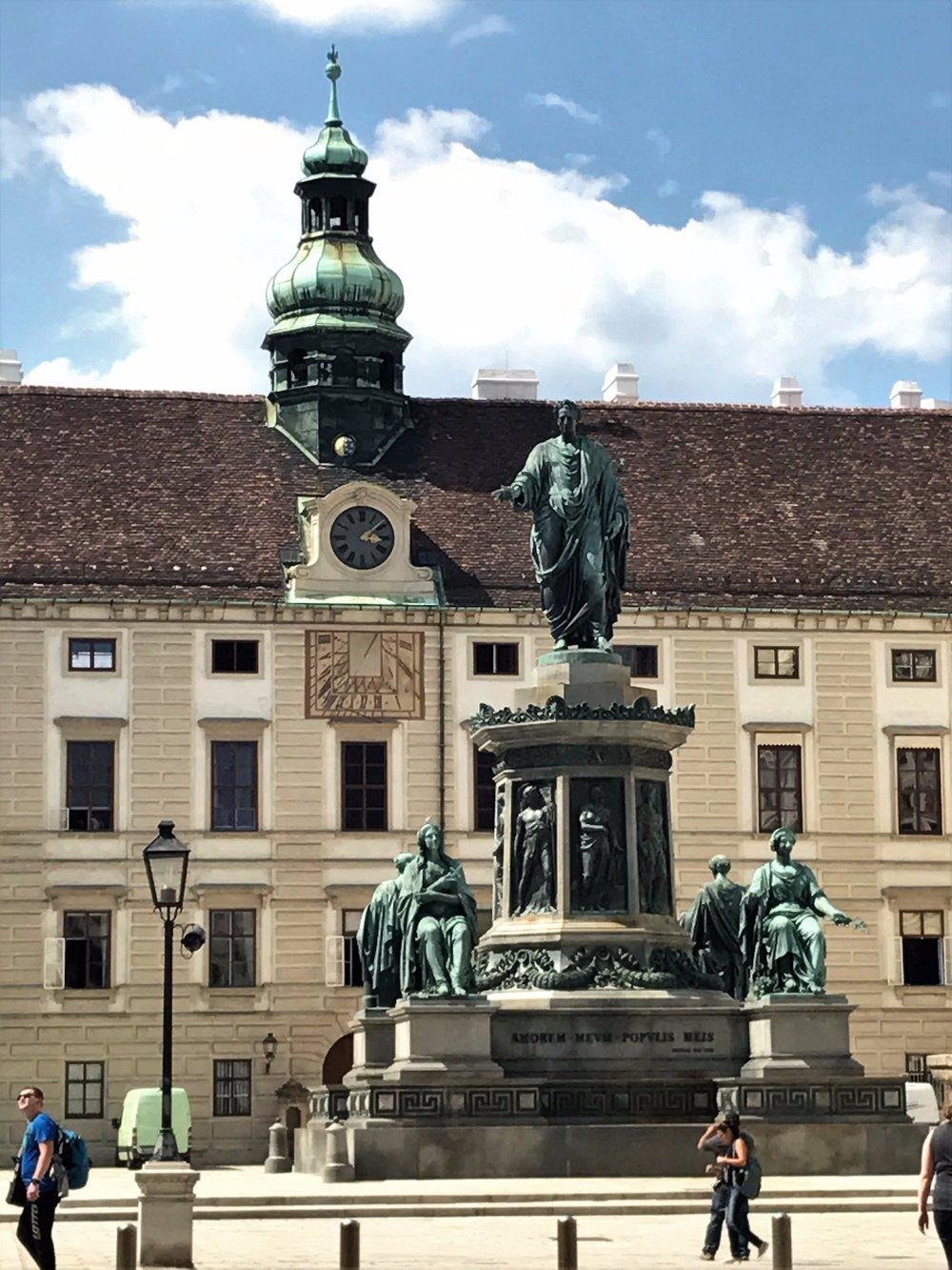 Kaiser Franz I, statue