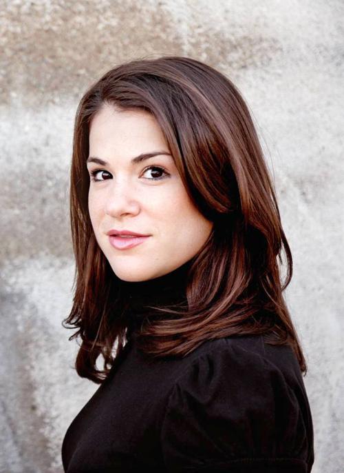 Mezzo-Soprano Rebecca Jo Loeb