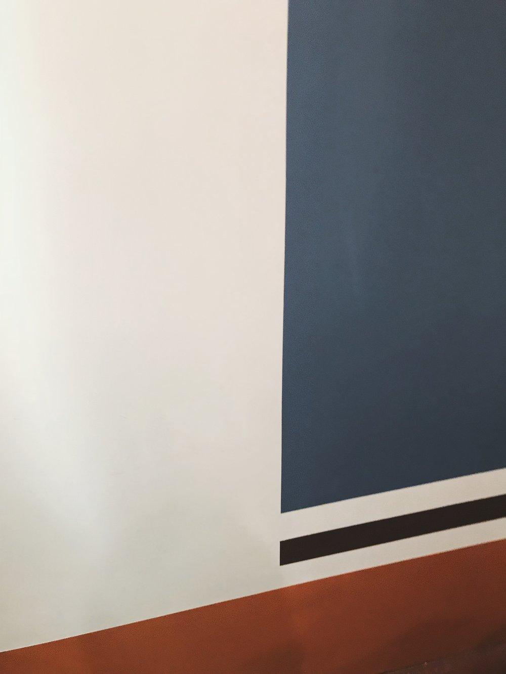 Это уже не плакаты аллегровой на стенах и боб в первый класс, а модный дизайн с хорошей цветовой палитрой. -