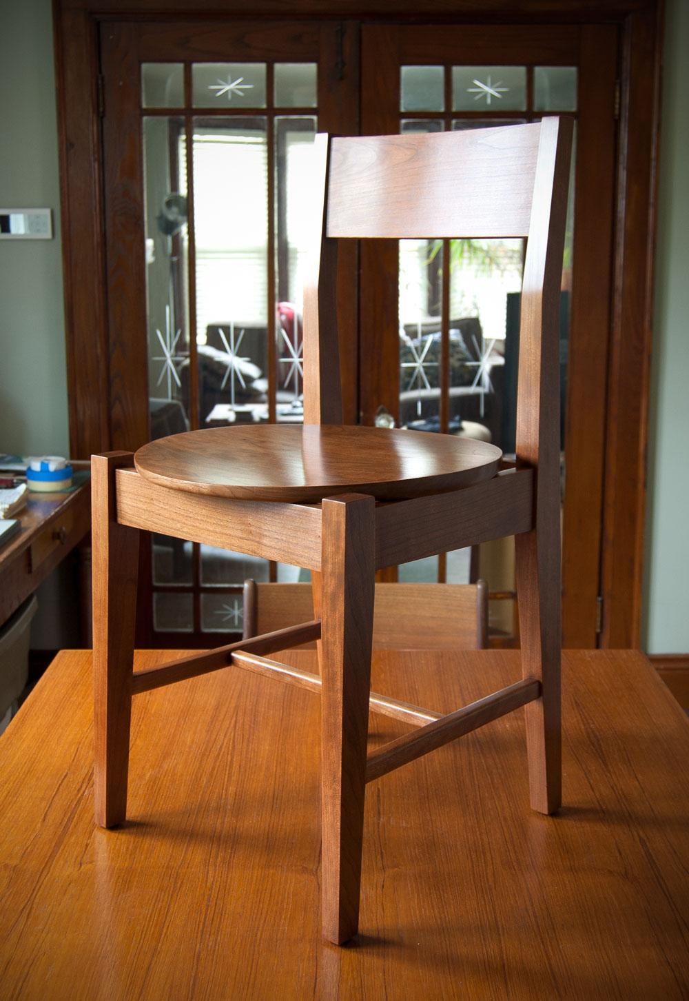 Round-seat Chair