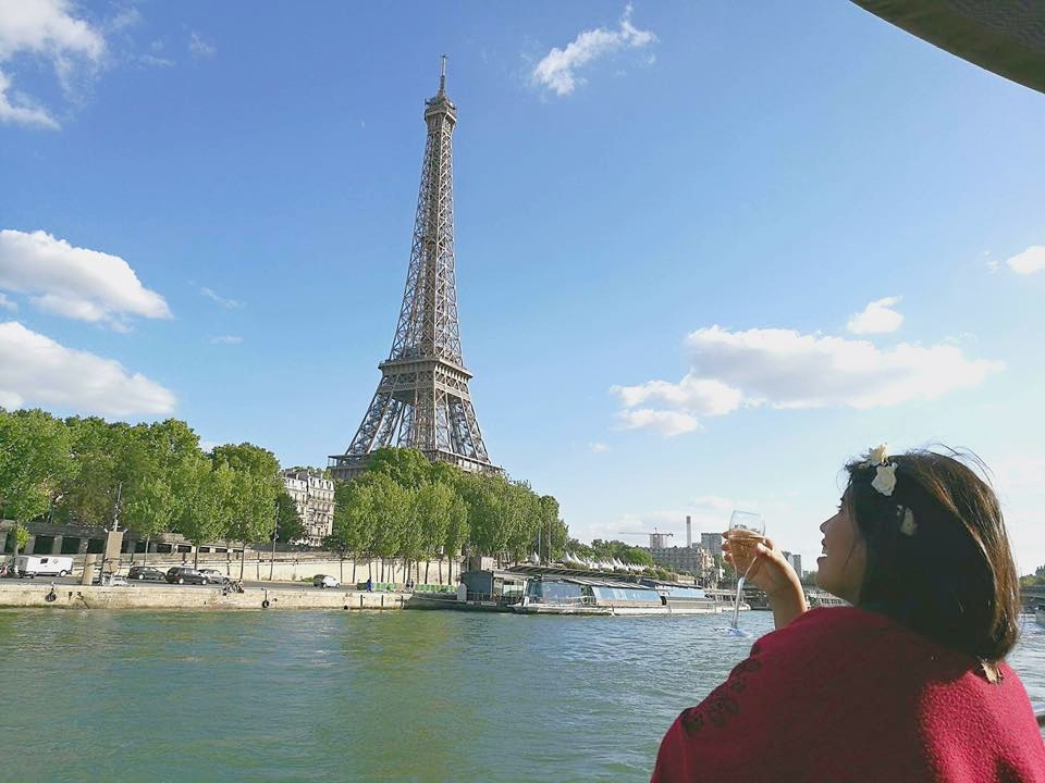 Seine River cruise while drinking champage_Paris_France.jpg