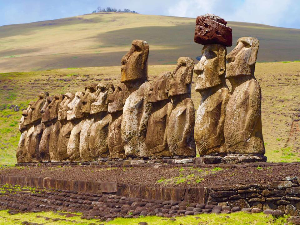 What to do on a 5 Day Honeymoon Trip to Easter Island - DIY Travel Guide