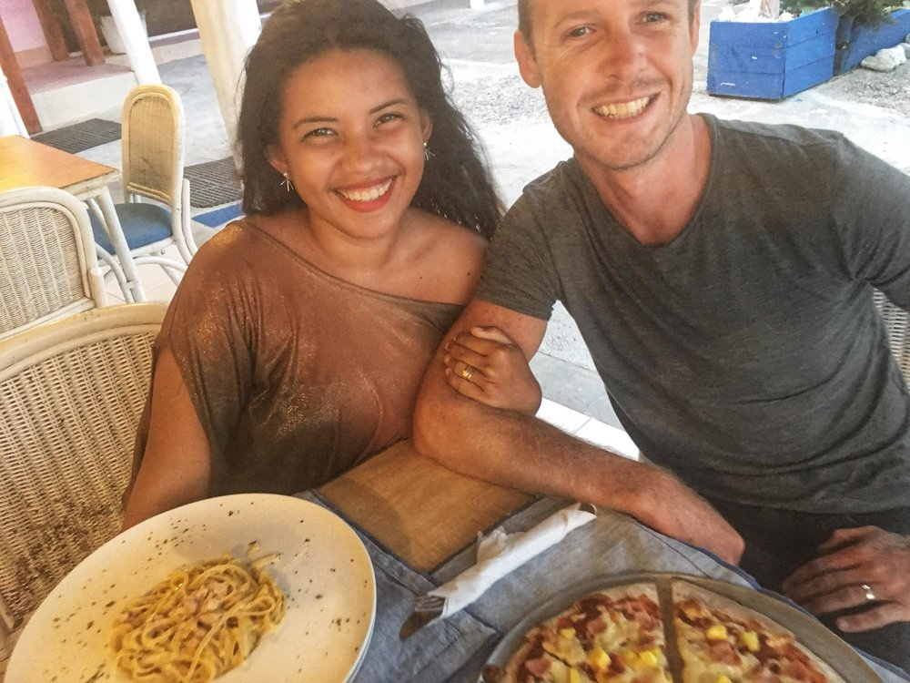 Liveaboard Day 109: Dinner date with my love (Wednesday Pizza Night at Las Velas Restaurant)