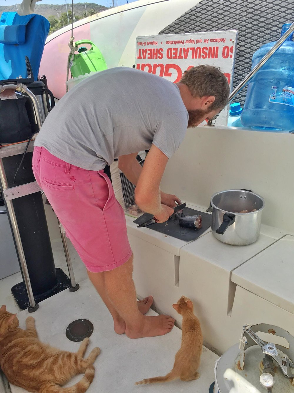 Liveaboard Life Day 171: Another beautiful day on the boat.. cooked Tamarind soup! ❤️