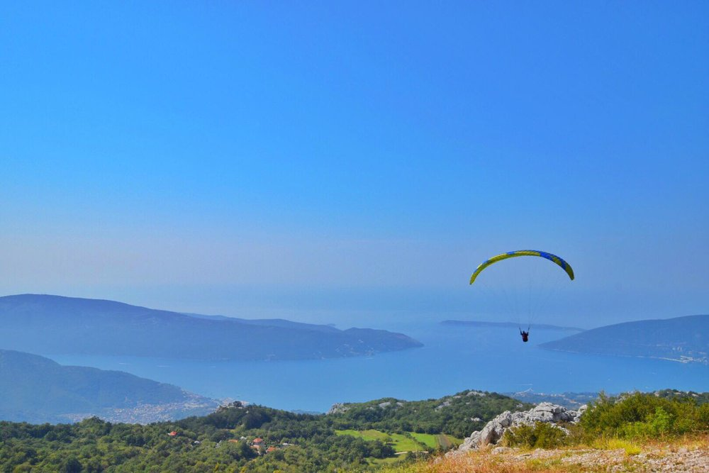 Kach Solo Travels Day 8: Paragliding Experience in Herceg Novi, Montenegro!⭐️