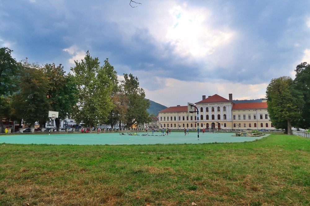 Kach Solo Travels Day 20: Day Trip to one of the popular cities in Transylvania, BRASOV!