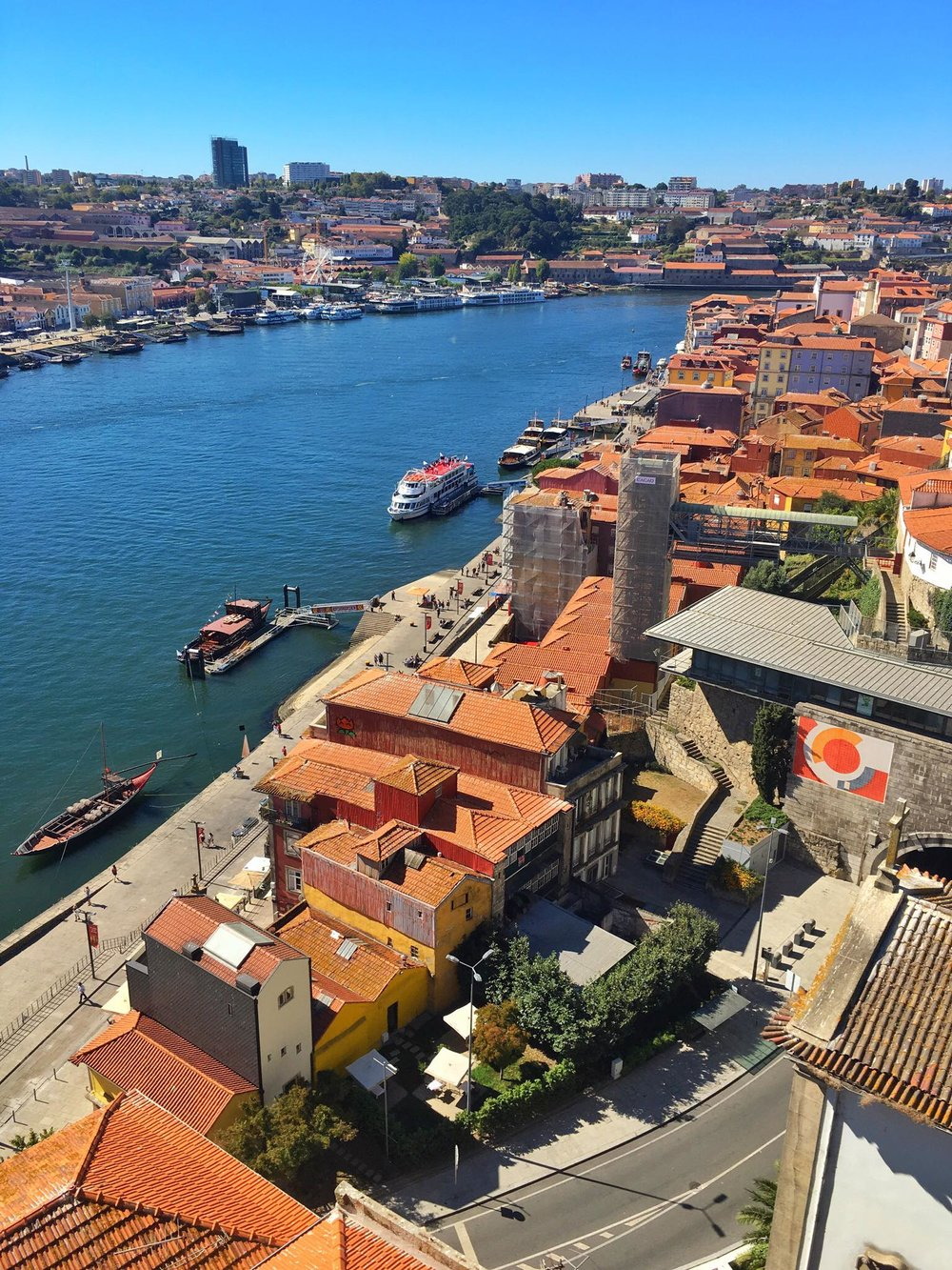 Kach Solo Travels Day 54: Porto, Portugal 💋 My 118th country 😍
