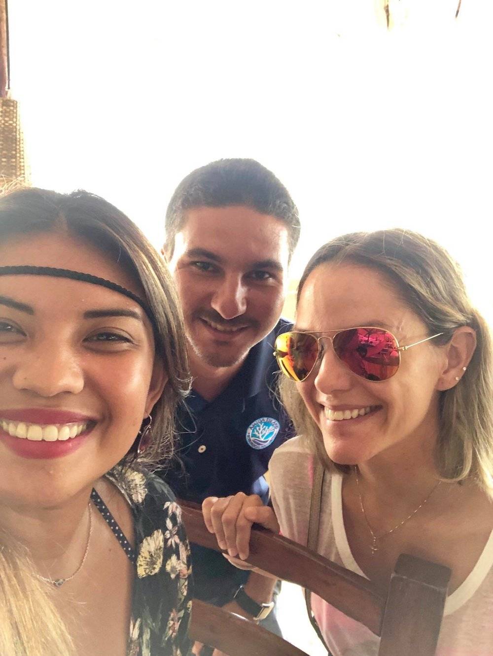 Liveaboard Life Day 280: We've just met some wonderful people here who made our trip super awesome �
