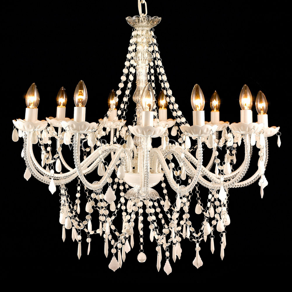 <p><strong>Chandelier Cleaning</strong><a href=></a></p>