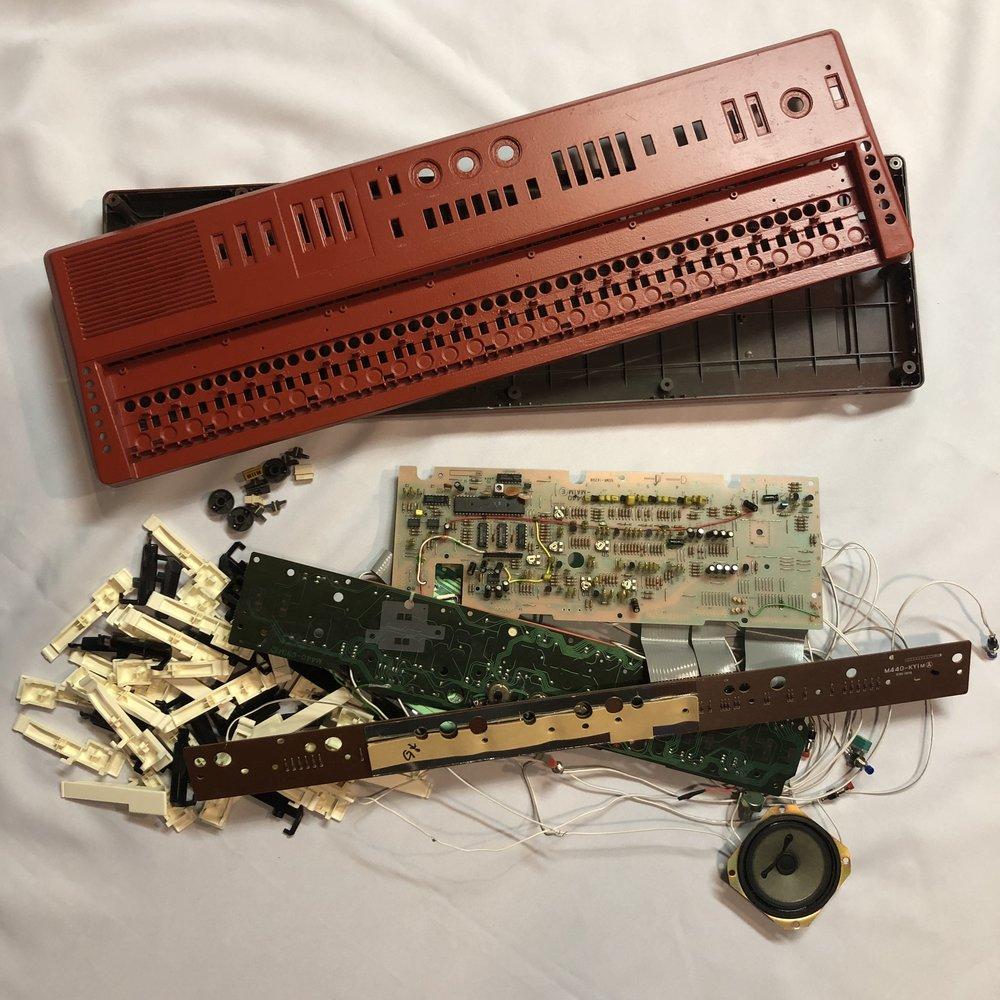 Casio MT-68 all in pieces