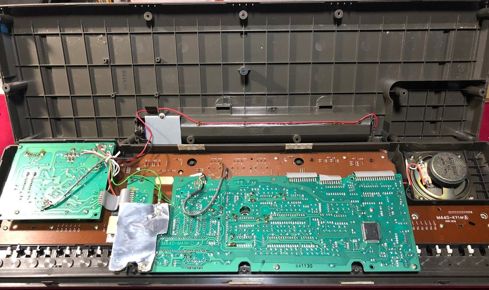 Casiotone MT-68 inside view.JPG