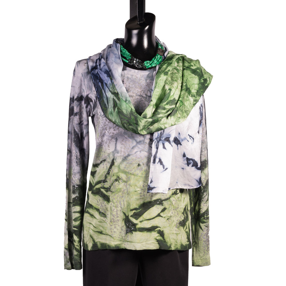 2-melarosa-wearable-art-green.jpg