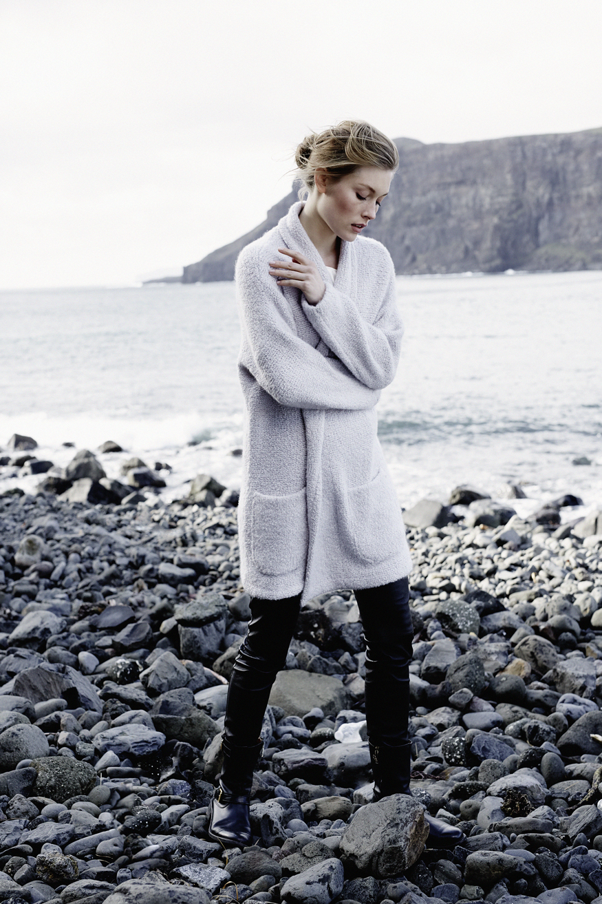 cloud_cashmere_boucl-_cardigan_made_in_italy57f251bdbede9.jpg