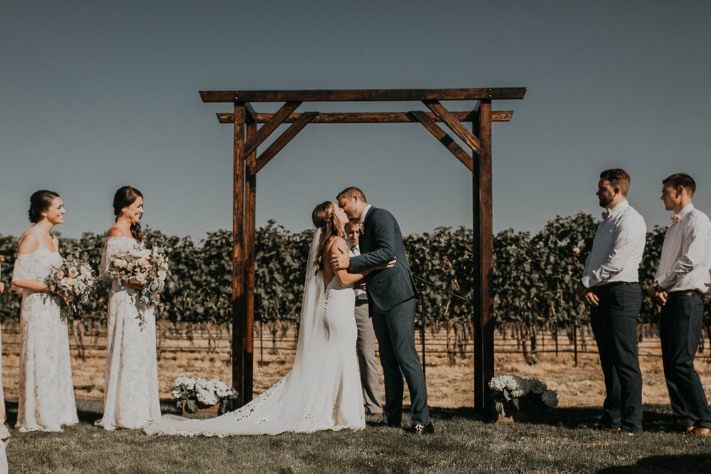 Ashley_Craig_Amourice_Vinyard_Wedding-610.jpg
