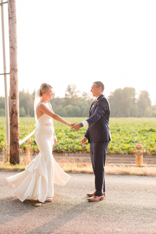 Tara-Dillon-Married_ERP_Bride+Groom-Sunset-32.jpg