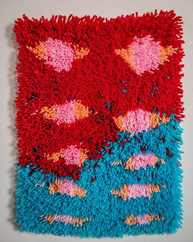 """Approx. 6""""x12"""" latch hook. Love these colors together soo much. $200 DM to claim! ❤️👁💗👁💙 #artstudio #latchhook #fiberart"""