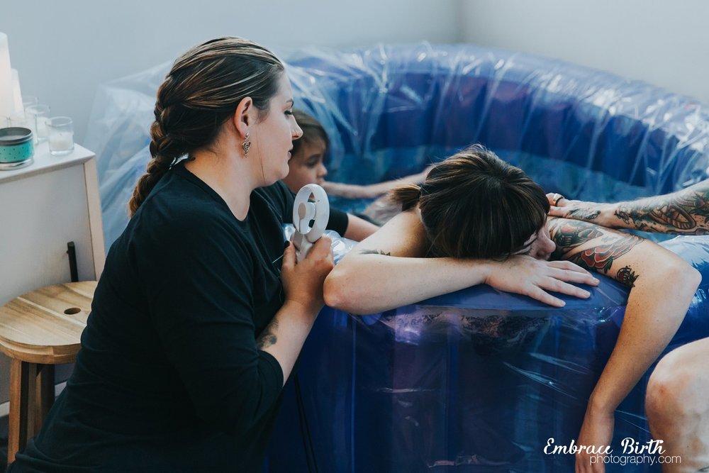 embracebirthphotography_greyson_birthstory_0034 (1).jpg