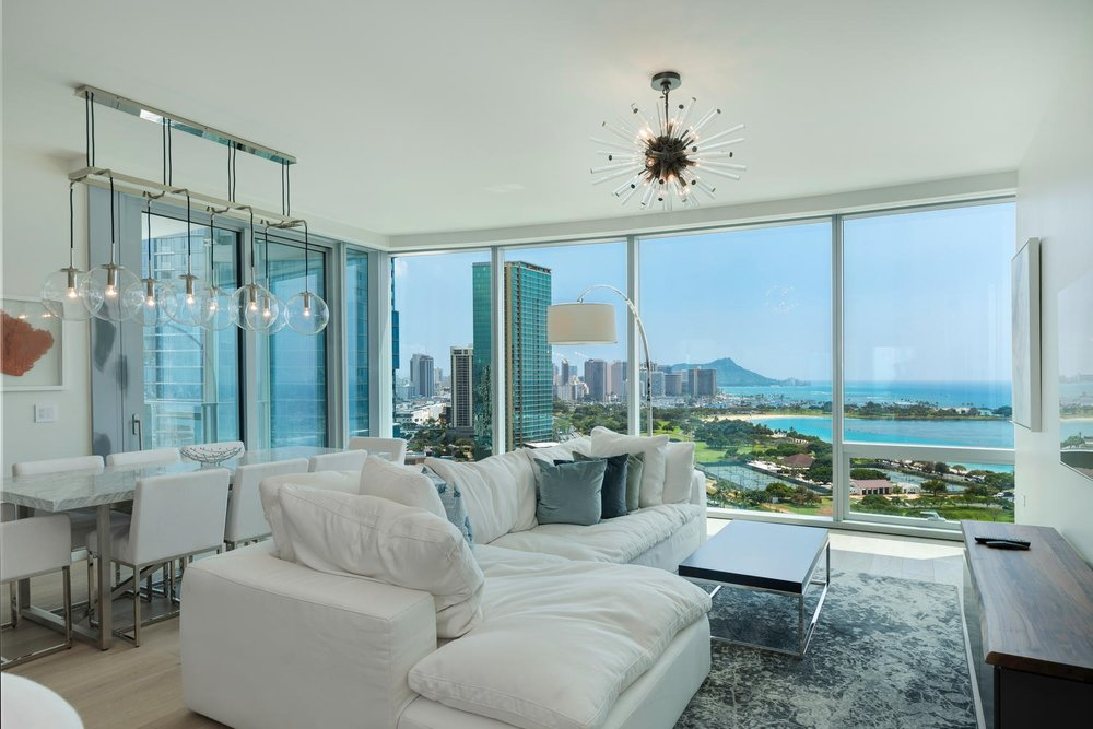 3 BDS OCEAN/DIAMOND HEAD LUXURY ON THE 19TH FLOOR / RENTED  3 BEDROOMS / 2.5 FULL BATH / 2,045 sq. ft.