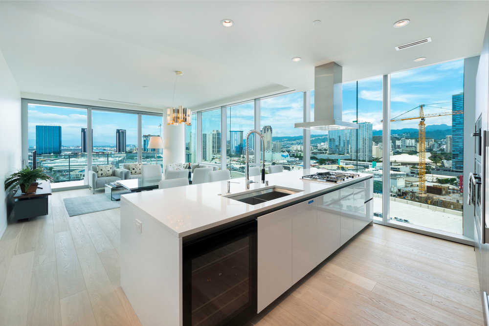 2 BDS OCEAN/DIAMOND HEAD LUXURY ON THE 15TH FLOOR  / RENTED  FURNISHED  / 2 BEDROOMS  / 2 FULL BATH / 1,468 sq. ft.  /  Hawaii State License  #:  GE- 031-538-5856-01