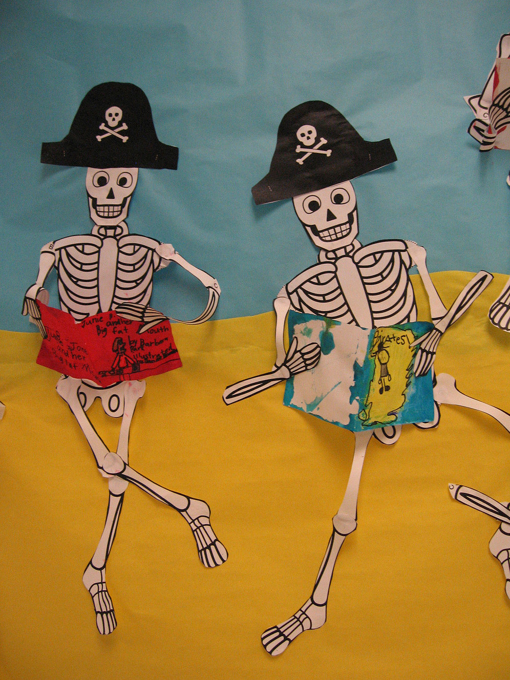 Pirate Skeletons Like To Read